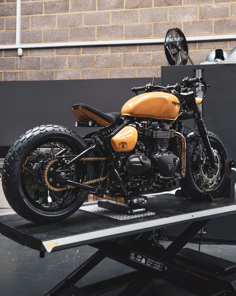 Camel Triphy Triumph Bobber Thornton Hundred Motorcycles